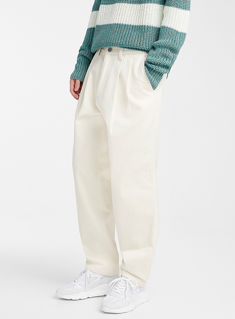 pleated-chinos