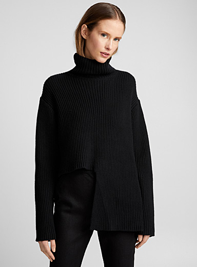Vallauris asymmetric sweater