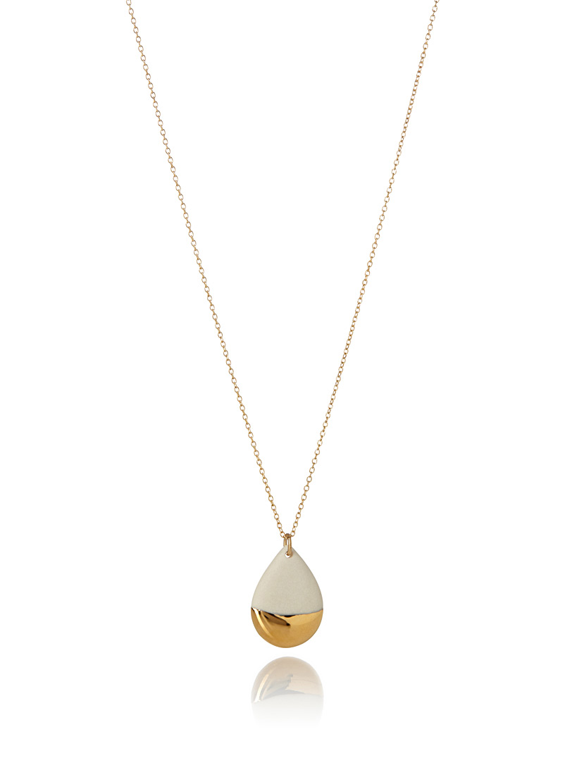 Tempered gold teardrop necklace