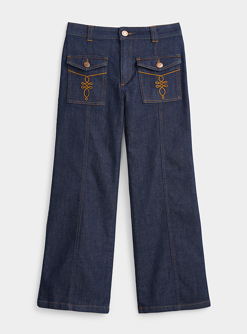 Decorative pocket flared jean