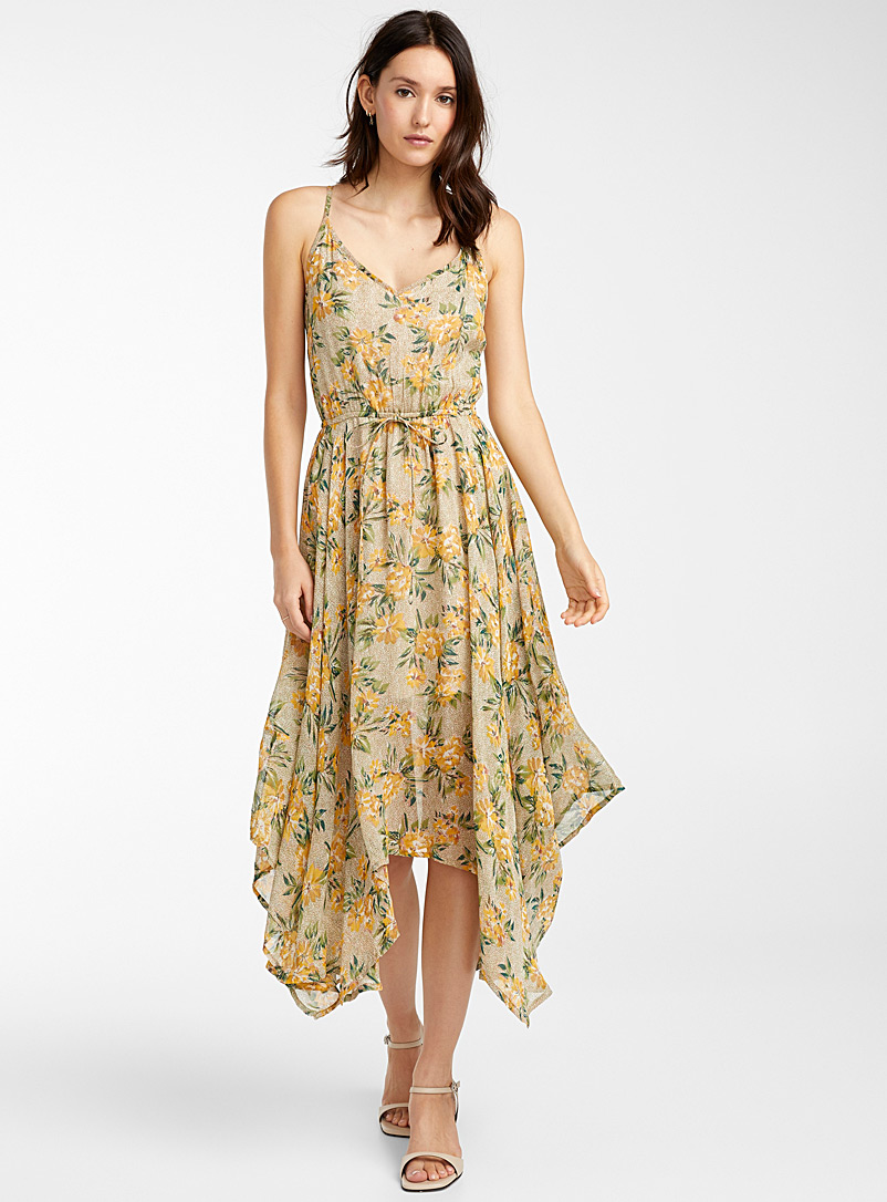 pointed-hem-yellow-flower-dress