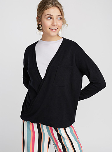Crossover pocket sweater