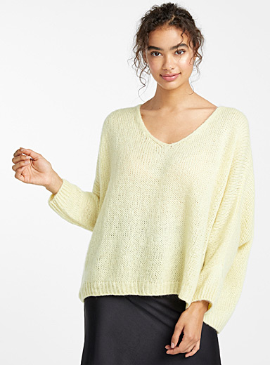Loose V-neck mohair sweater