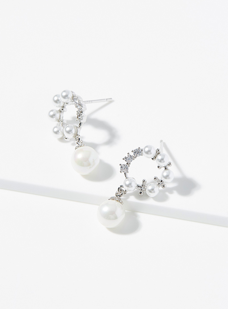 Decorative faux-pearl hoops
