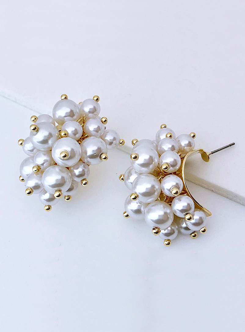 Simons Assorted Pearly cluster earrings for women