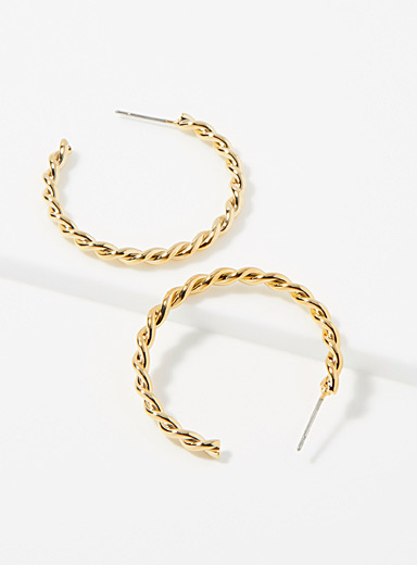 Monochrome twisted hoops