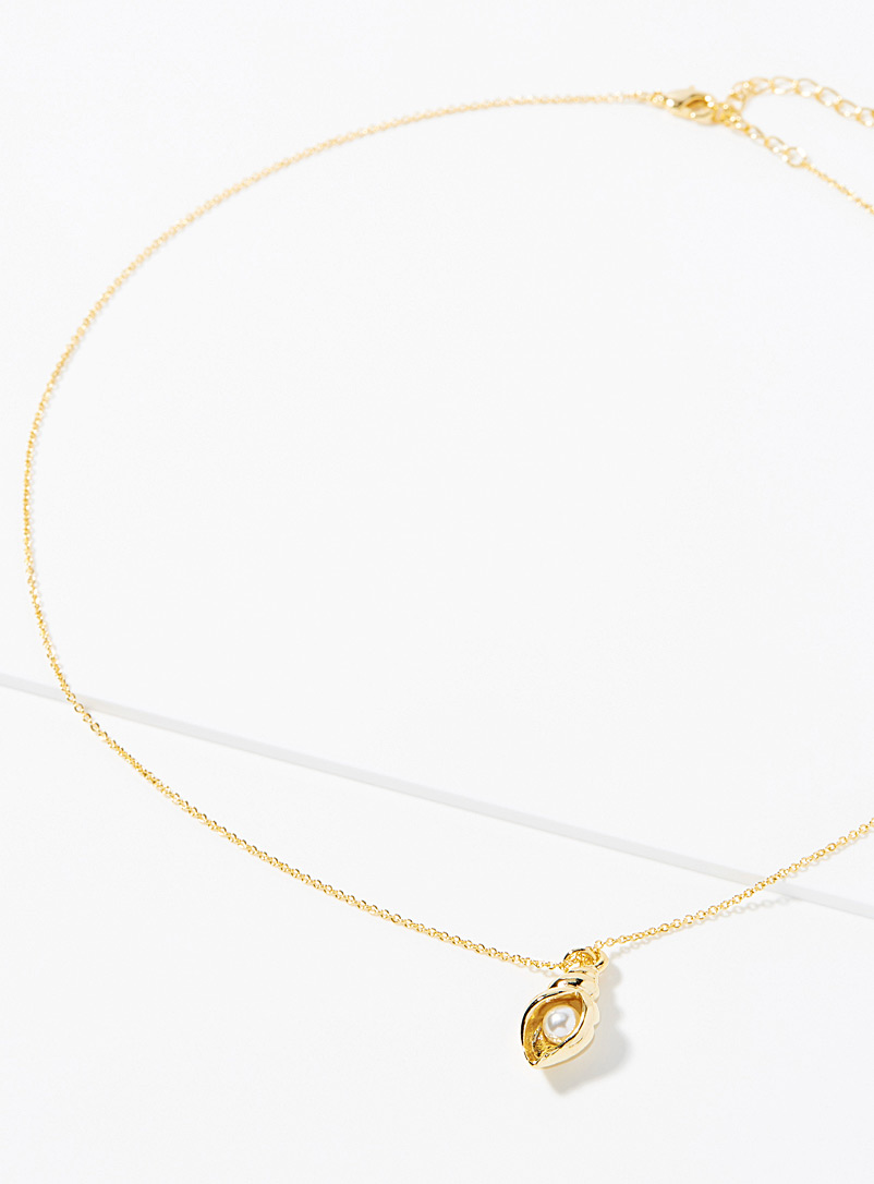 Simons Assorted Pearl shell pendant necklace for women