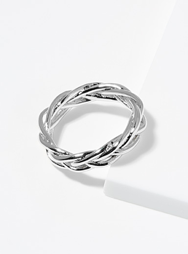 Braided metal ring
