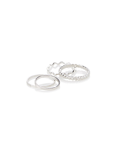 Metallic rings  Set of 4
