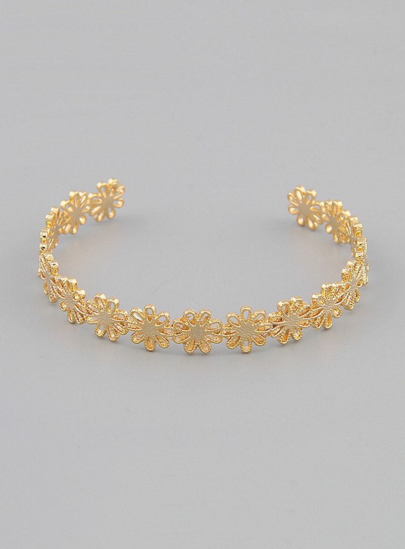 Simons Assorted Golden flowers cuff bracelet for women