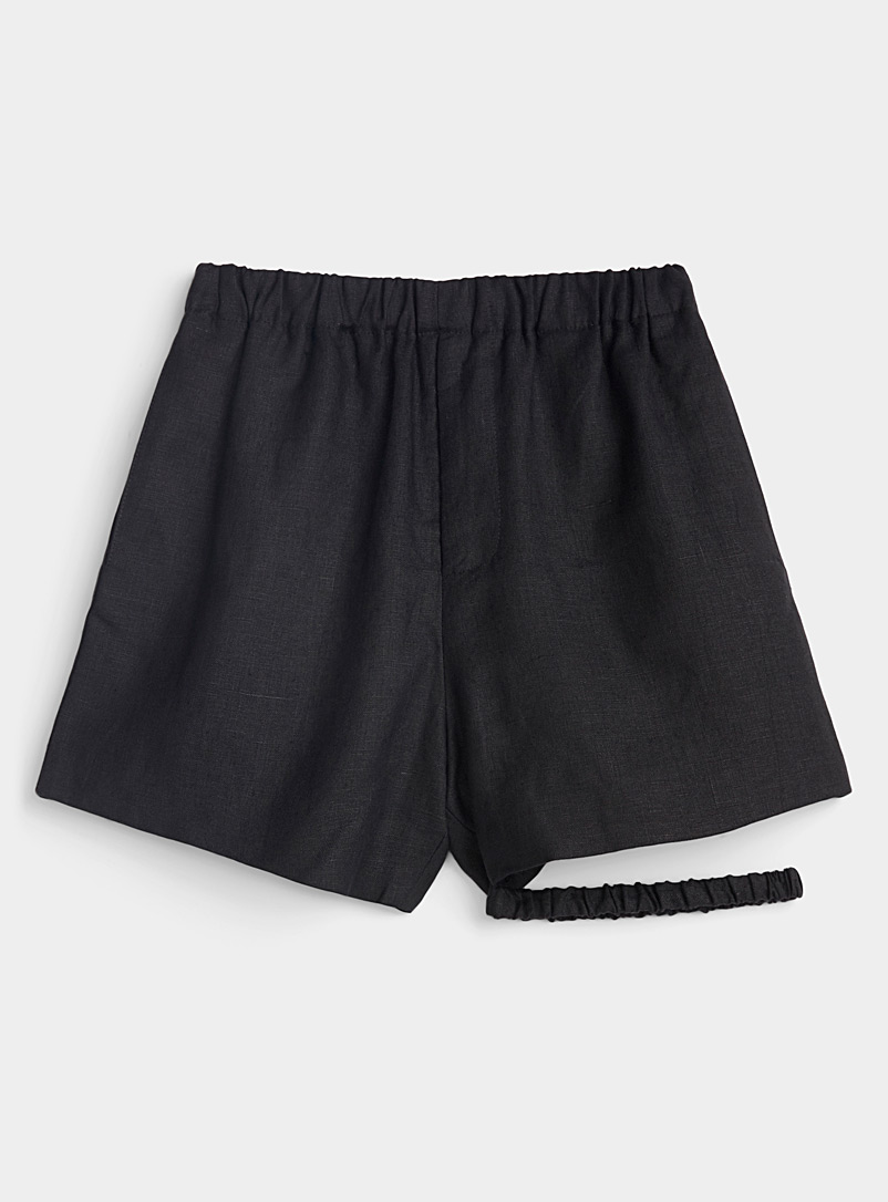 Vejas Black Gripped Thigh linen short for women