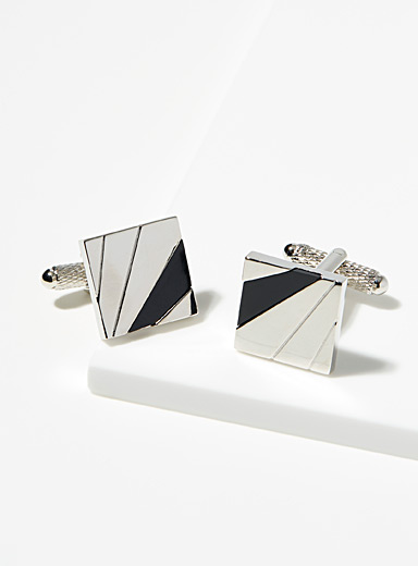 Monochrome touch cufflinks
