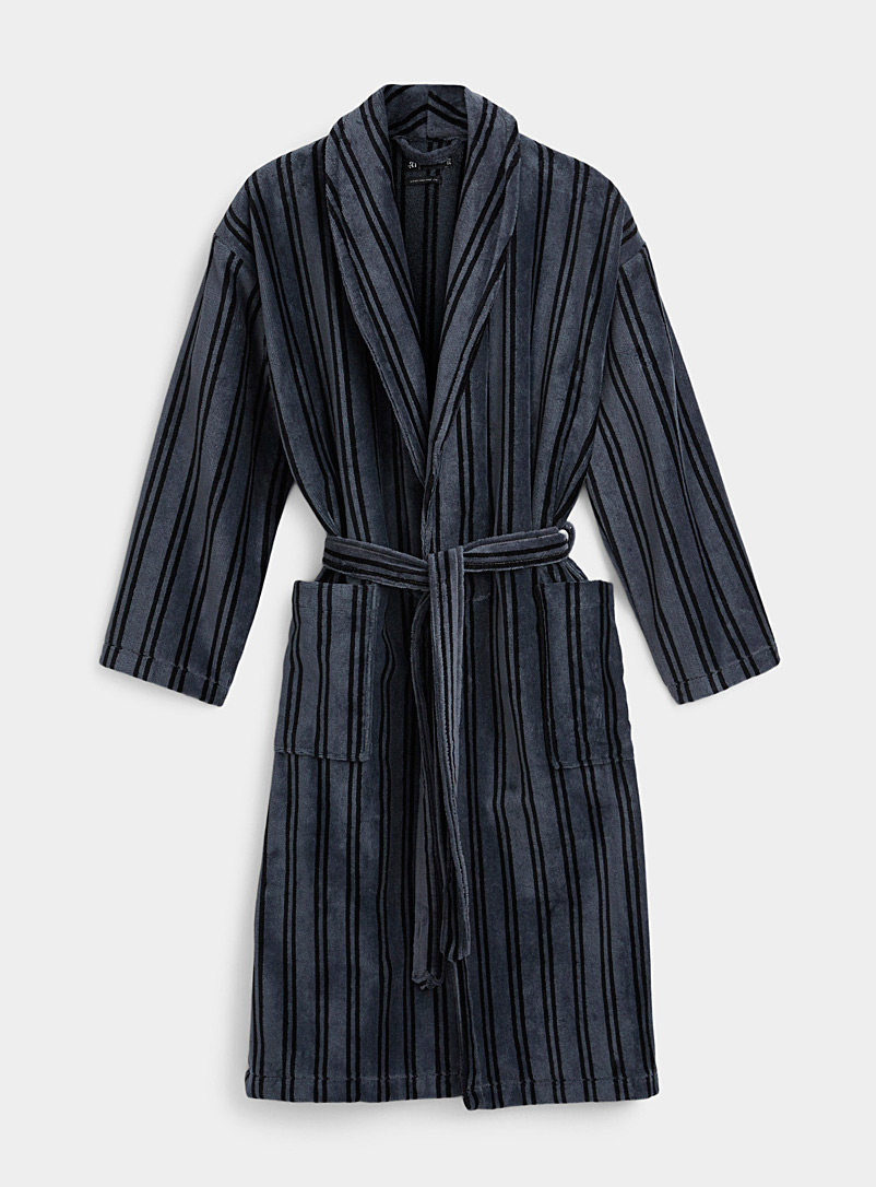Le 31 Patterned Black Two-tone striped velvet robe for men