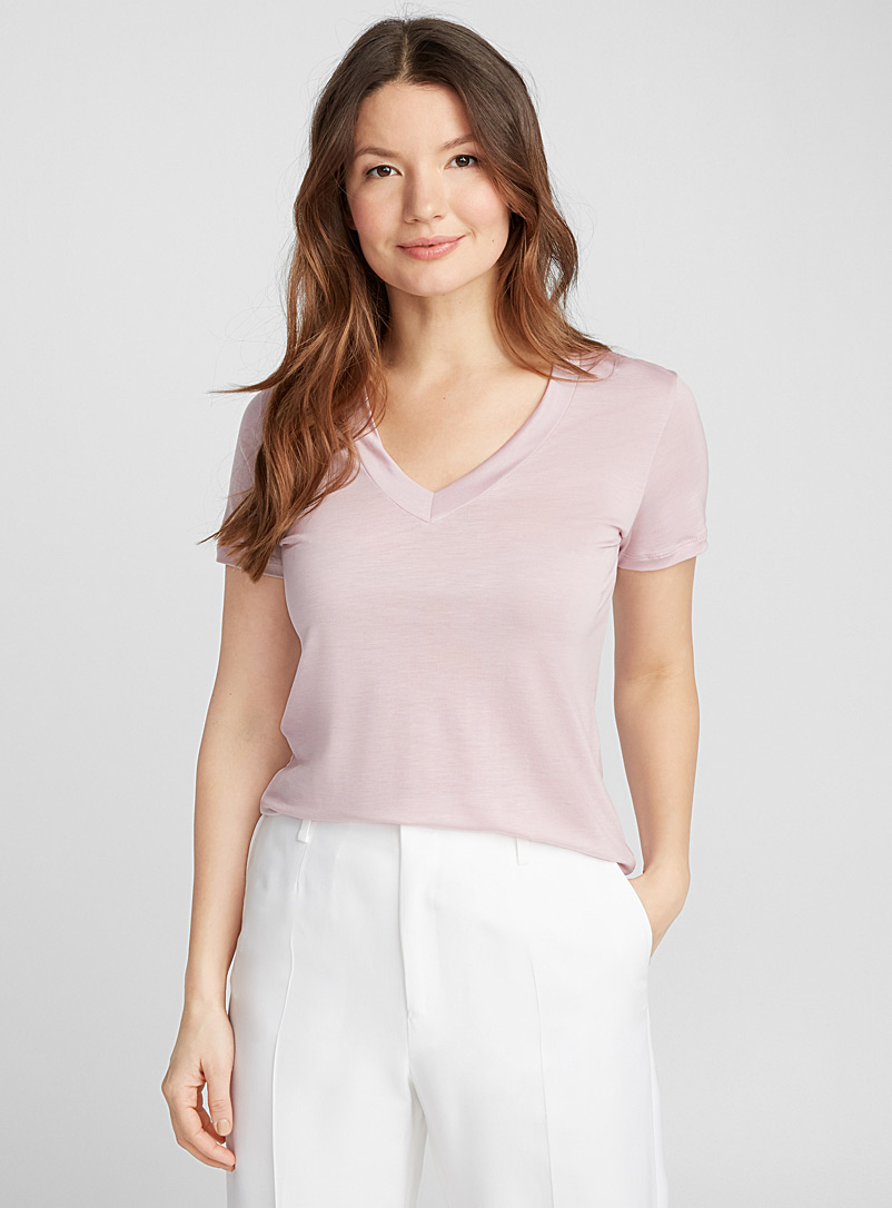 frosted-pink-v-neck-tencel-tee
