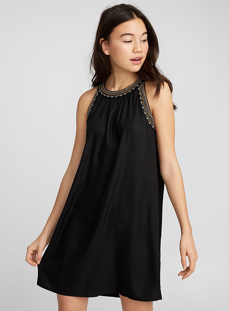embroidered-neck-dress