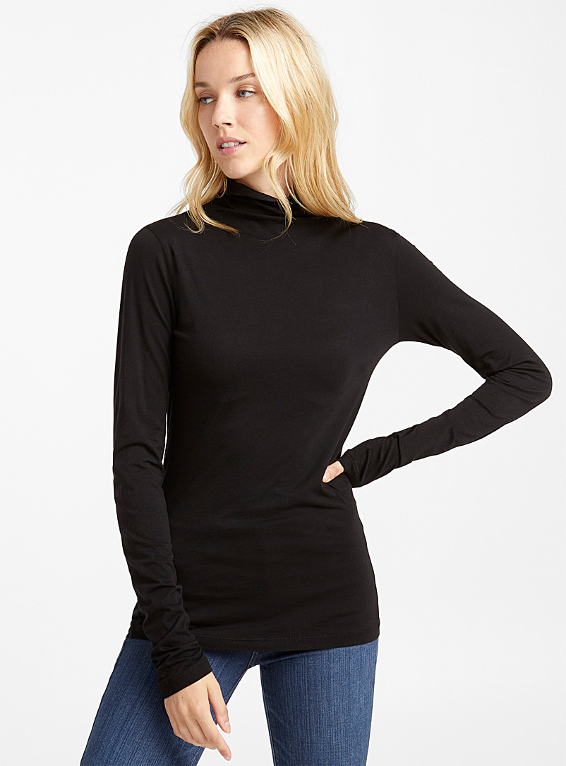 lightweight-turtleneck-tee
