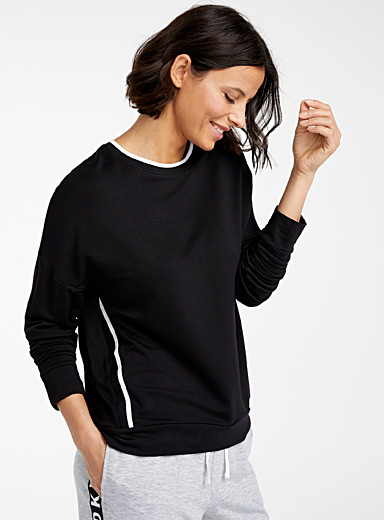 Le pull rayures obliques
