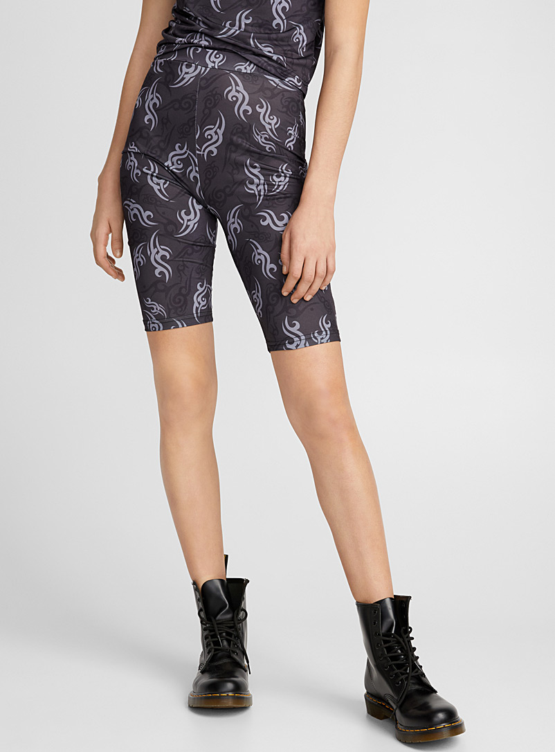 le-short-cycliste-imprime-tribal