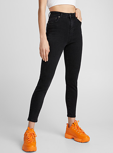 Black high-rise skinny jean