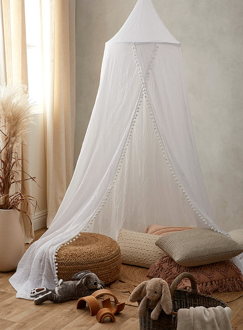 Sheer bed canopy