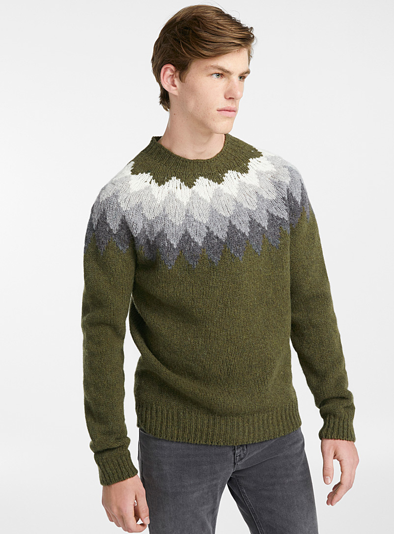 argyle-seamless-sweater