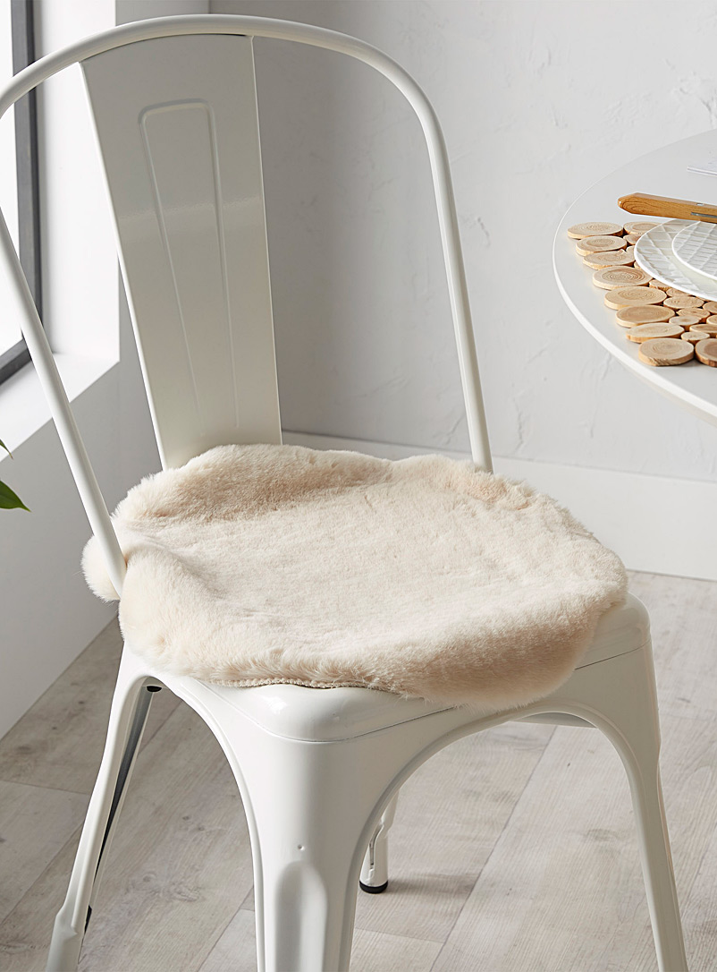 Simons Maison Ivory White Luxurious faux-fur chair cushion  40 cm in diameter