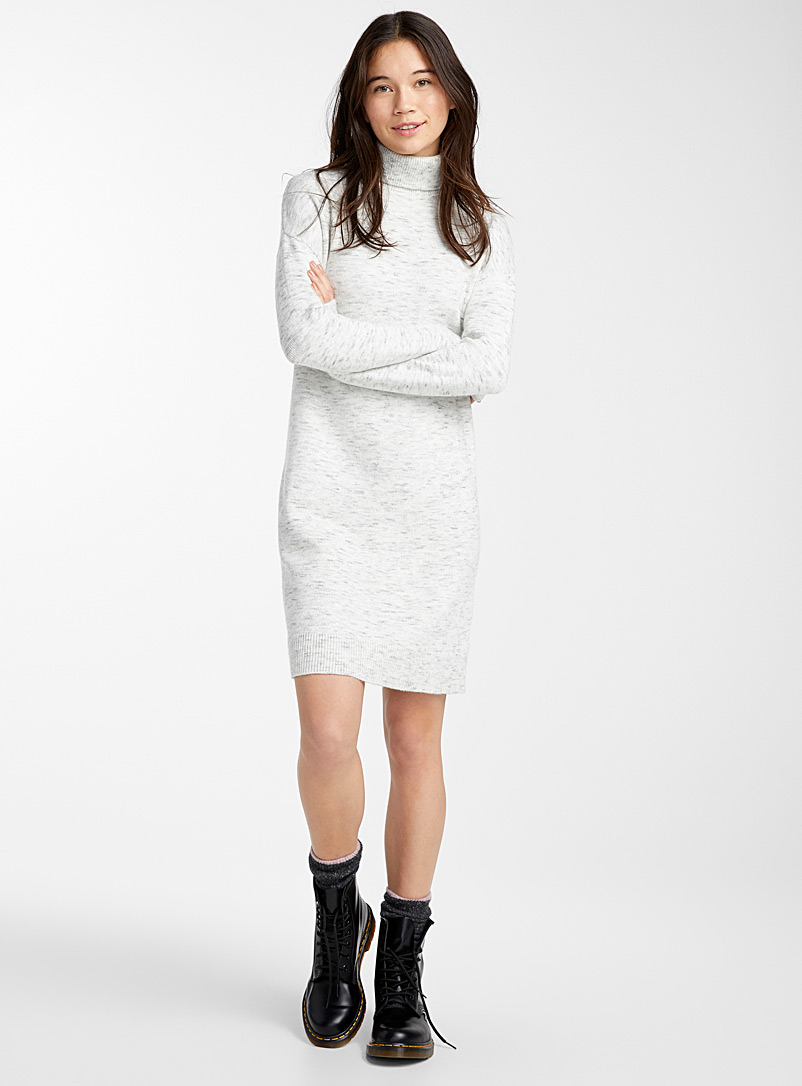 fine-knit-turtleneck-dress