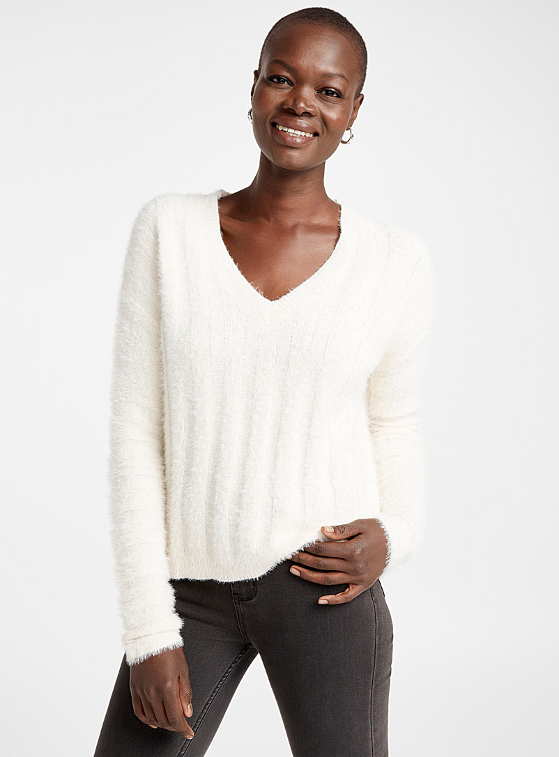 Ribbed fluffy V-neck sweater - Sweaters - Cream Beige