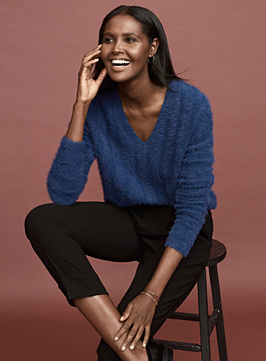 Ribbed fluffy V-neck sweater