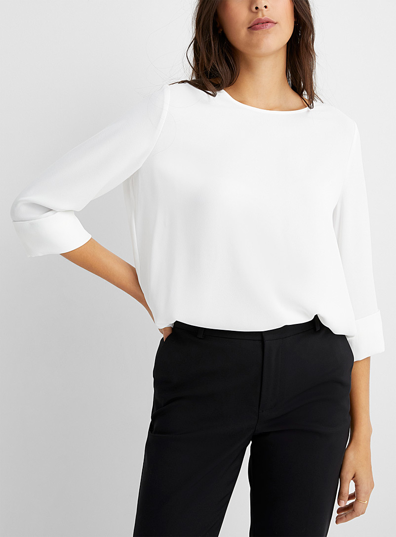Loose cuff-sleeve blouse