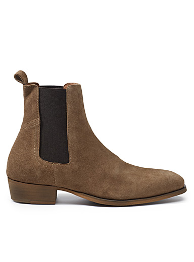 Essential Chelsea boots