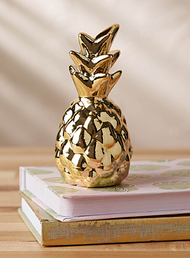 Decorative glam pineapple