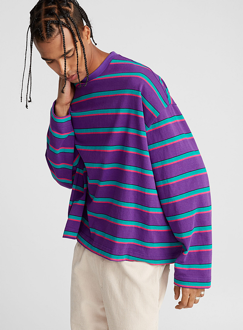 horizontal-stripe-sweatshirt