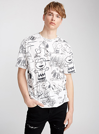Outlined Charlie Brown T-shirt