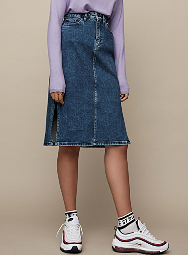 La jupe midi mom denim