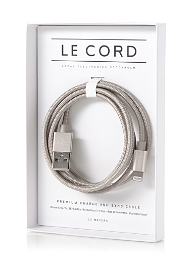 Metallic charging cable