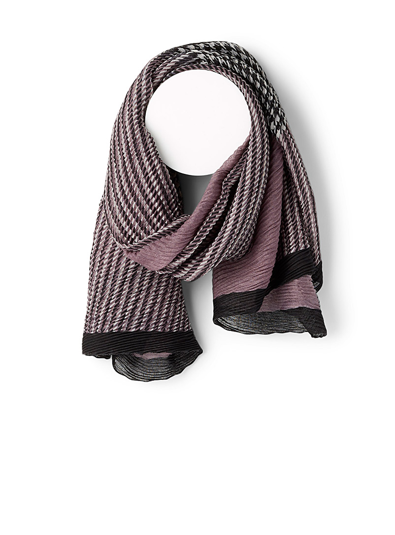 Simons Patterned Crimson Houndstooth pleated scarf for women