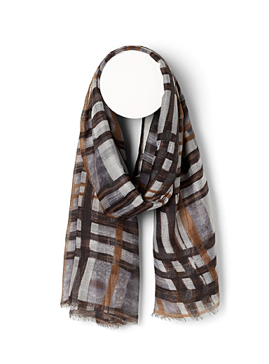Hand-drawn check scarf