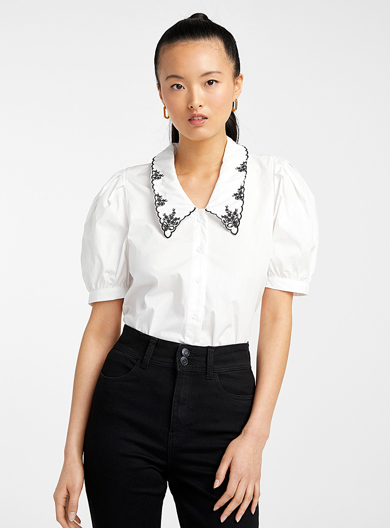 Icône Black and White Embroidered Peter Pan collar blouse for women