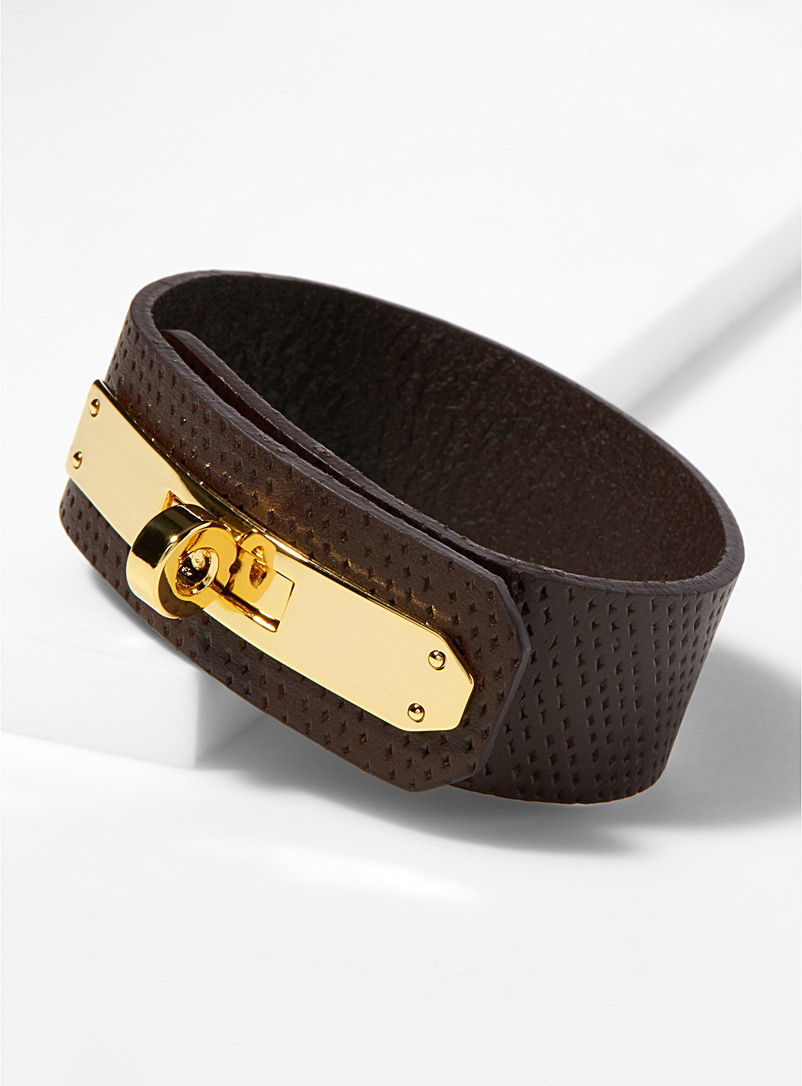 gold-latch-leather-bracelet