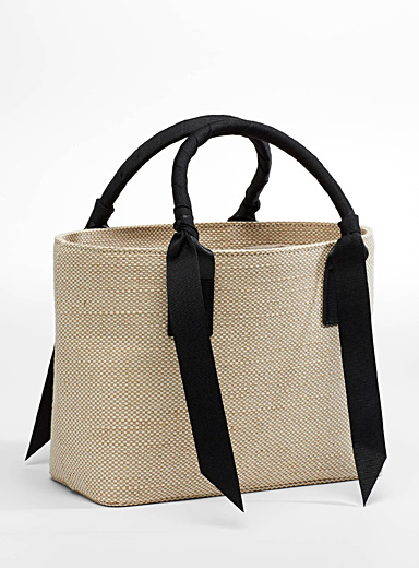 Ribbon accent woven ladylike bag