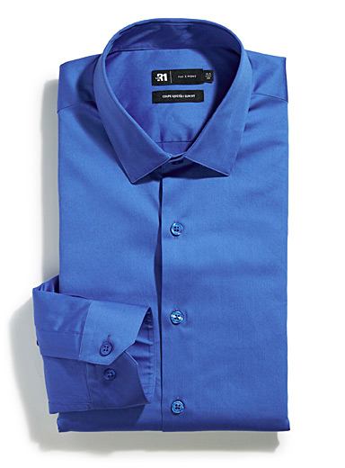 Brightly-coloured shirt <br>Tailored fit