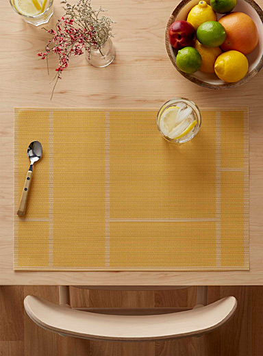 Geo brick braided vinyl placemat