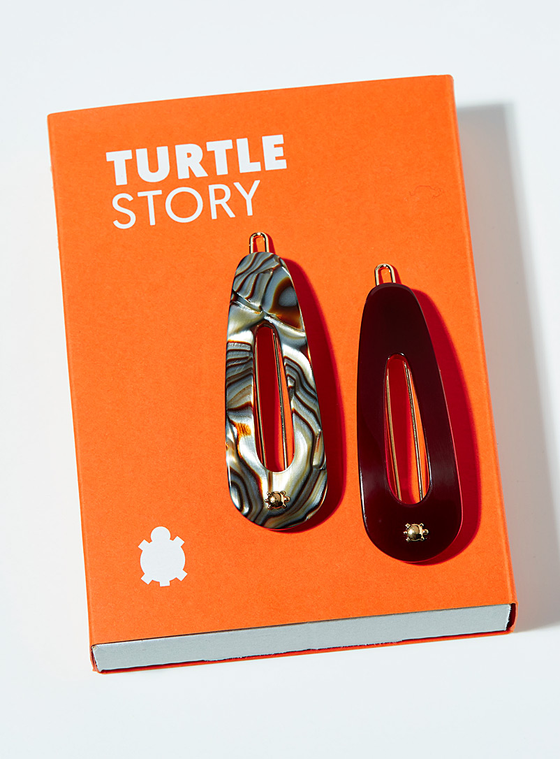 Turtle Story Patterned Red Vivid onyx barrettes  Set of 2 for women