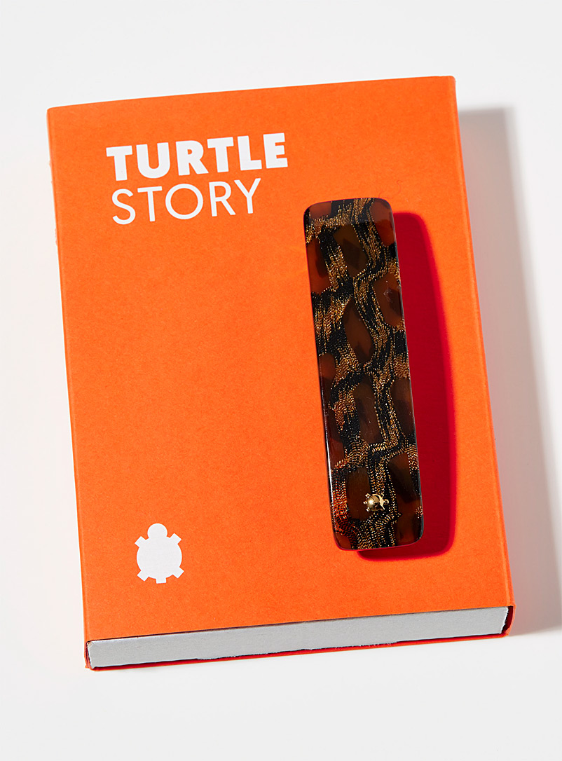 Turtle Story Black Gold-plated retro barrette for women