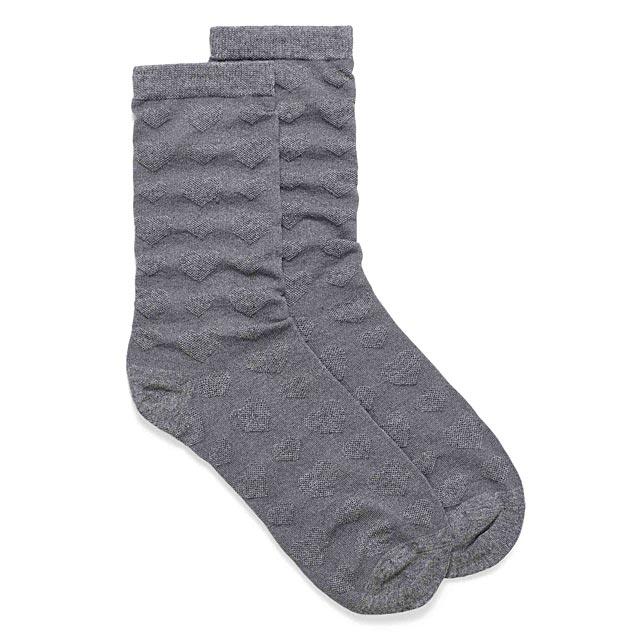 organic-cotton-embossed-heart-ankle-socks