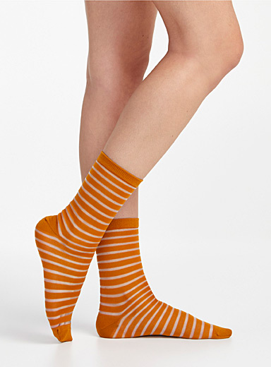 Floating stripe socks