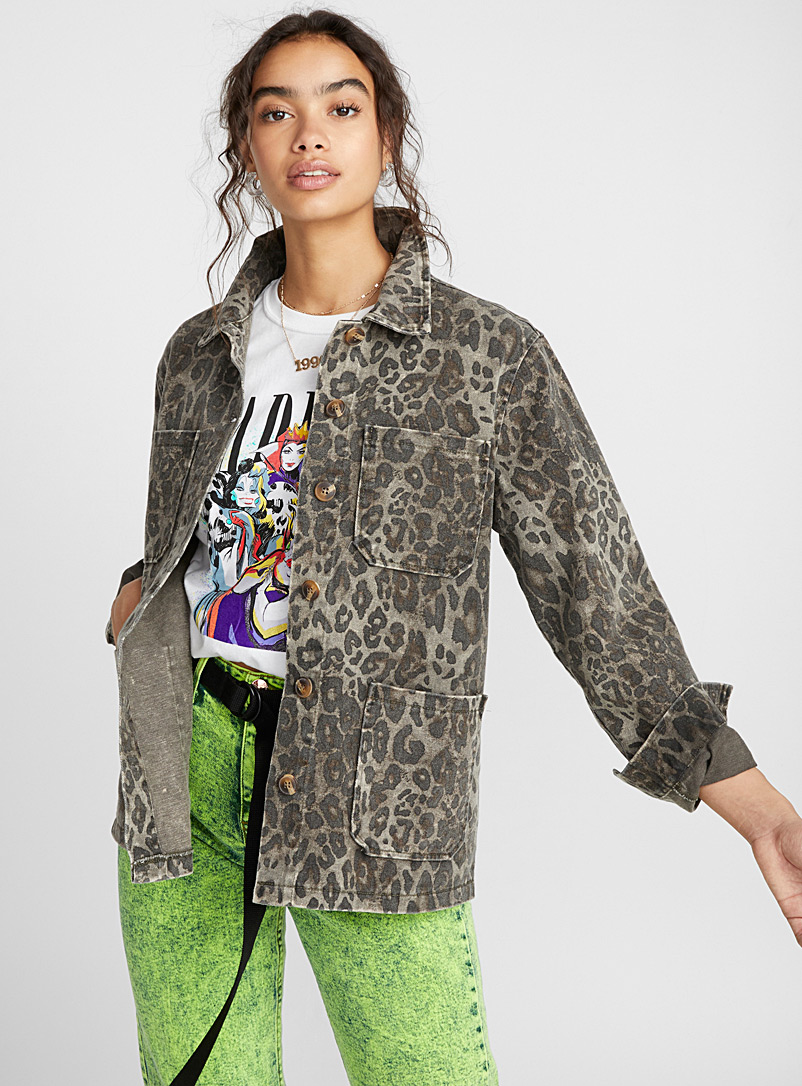 loose-leopard-jean-jacket