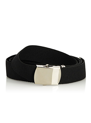 Black webbed belt