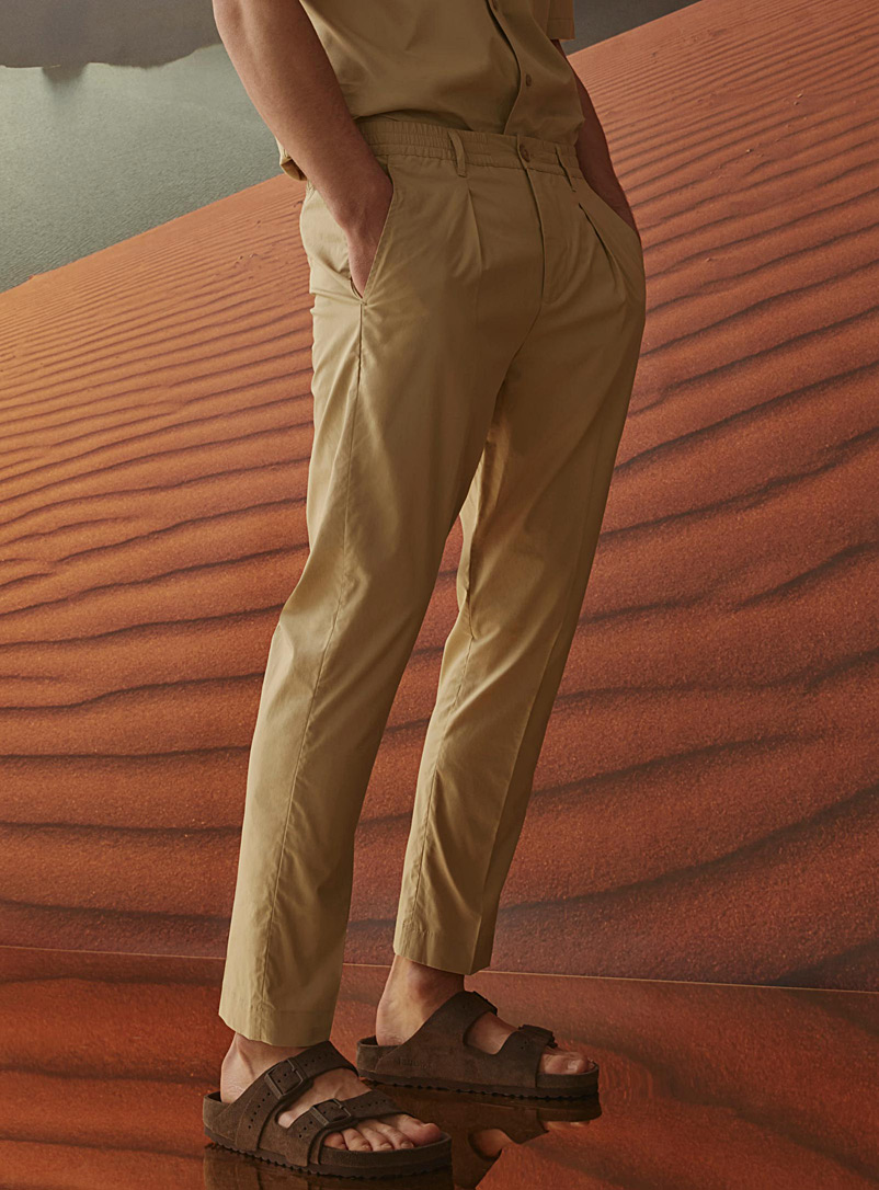 light-pleated-pull-on-pant